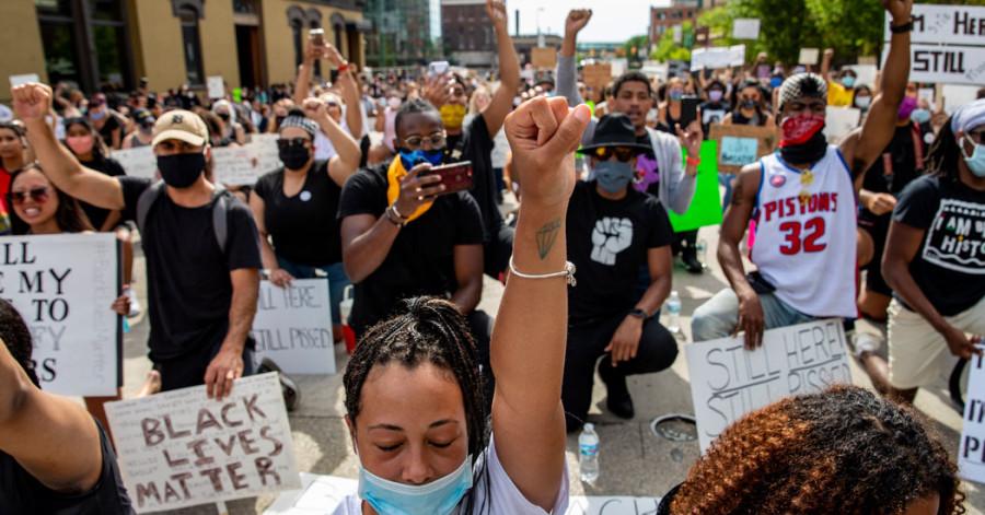 रुकुमदेखि अमेरिकासम्म सल्केका जातीय हिंसाविरोधी ज्वालाहरू