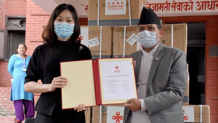 स्वास्थ्य सामग्री अभावमा परीक्षण सुस्त हुँदा संक्रमितहरू बढेको बढ्यै